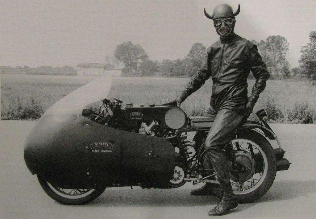 El dimoni també condueix una moto Vincent